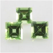 5 Peridot faceted square loose cut gemstones (N) Approximate size 4mm